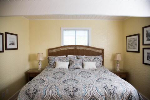 Snook Cottage King bed bedroom