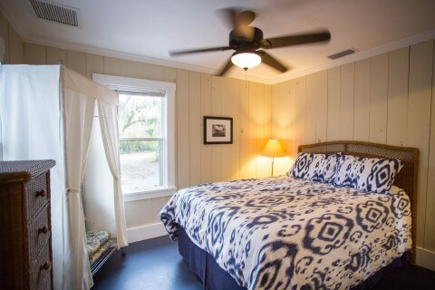 Tarpon Cottage bedroom - two queen bed bedrooms one bath